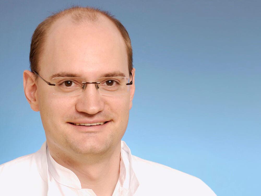 Dr. Tino Prell