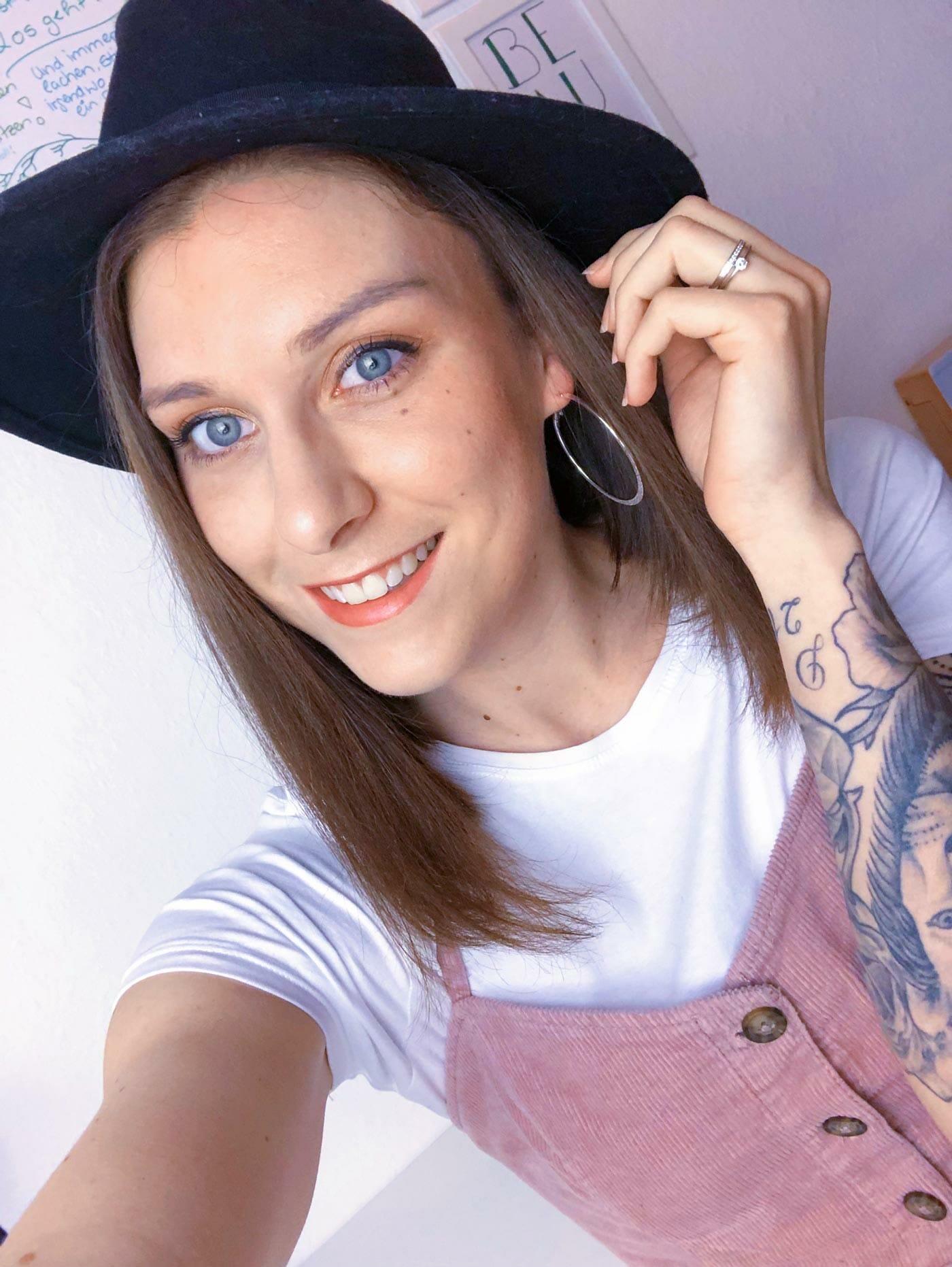 Selfie von Marie mit Hut