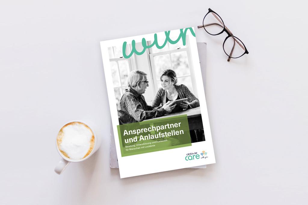 Mock Up der Broschüre Ansprechpartner und Anlaufstellen